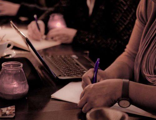 Jezelf voorbij de dingen schrijven (en spelen)